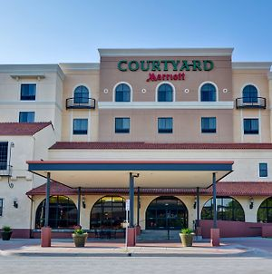 Courtyard by Marriott Wichita at Old Town photos Exterior