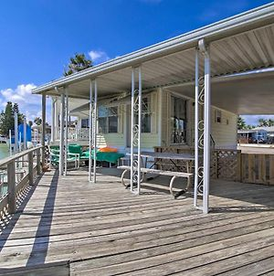 Canalfront Port Isabel Escape With Boat Dock! photos Exterior