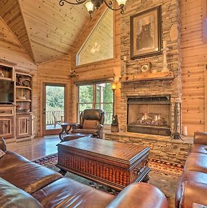 Lavish Cabin With Deck, Game Room And Mtn Views! photos Exterior