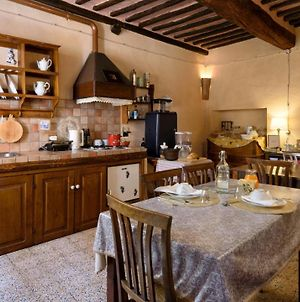 House With 4 Bedrooms In Montalcino With Wifi photos Exterior