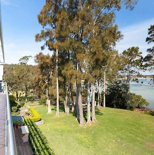 Unit 1 44 Danalene Pde Fantastic Waterfront Property With Air Con photos Exterior