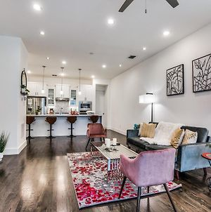 Cozysuites Luxe 3Br Uptown Home Great Rooftop photos Exterior