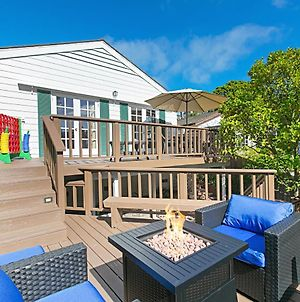 Ocean-View Village Getaway With Huge Fenced Yard Home photos Exterior