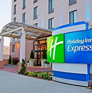 Holiday Inn Express Brooklyn photos Exterior