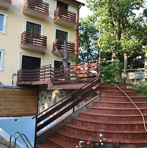 House With Swimming Pool In Tskneti Tbilisi photos Exterior