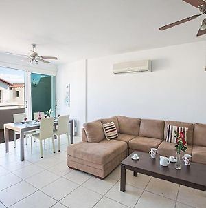 Apt Pernera Dyo - Modern 2 Bedroom Pernera Apt With Communal Pool - Close To All Amenities photos Exterior