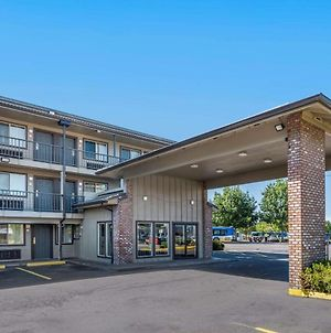 Econo Lodge Portland Airport photos Exterior
