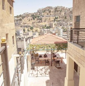 Royal Villa Mira Luxe Condos And Studios With Panoramic Terrace View In Rainbow Street - Downtown Central Amman photos Exterior