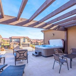 10% Off March Stays! 4 King Suites * Private Hot Tub * Views photos Exterior