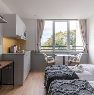 Superb Studio In The Heart Of Issy-Les-Moulineaux photos Exterior