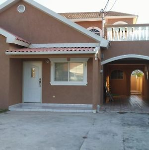 Lovely Gated Community With 24Hrs Security photos Exterior