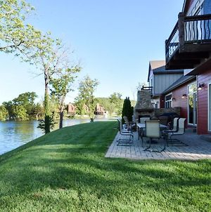 Chalets Resort Luxury Lakefront Chalet Family Friendly 2 Pools Free Amenities photos Exterior