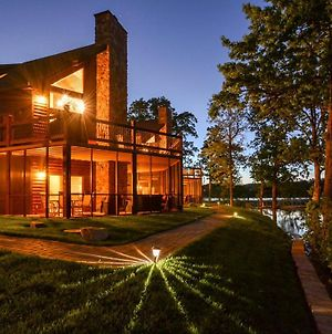 Luxury Lakefront Chalet Resort 2 Pools Free Amenities Dock Minigolf Waterslide photos Exterior