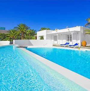 Puerto Calero Villa Sleeps 8 With Pool Air Con And Wifi photos Exterior