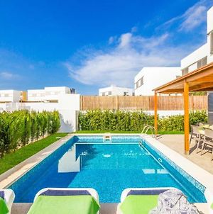 Cala En Bosch Villa Sleeps 8 With Pool Air Con And Wifi photos Exterior