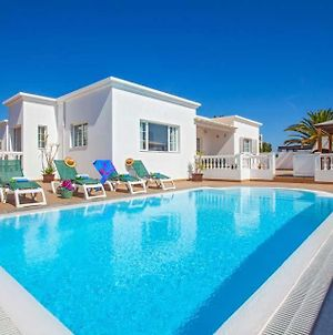 Villa In Puerto Calero Sleeps 8 With Pool Air Con And Wifi photos Exterior