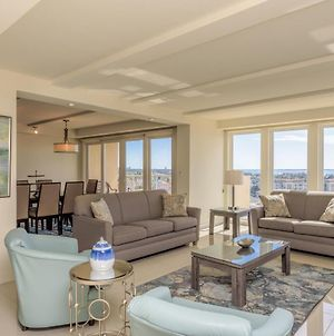 Panoramic 9Th Floor Bayview! Beachfront Resort With Shared Pools And Jacuzzi photos Exterior