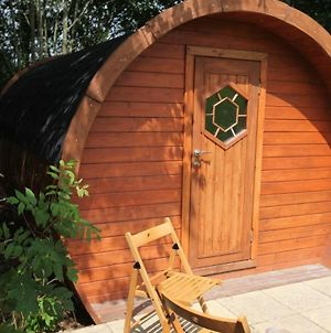 Idyllic Glamping Pod In The Kent Countryside photos Exterior