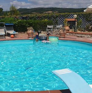 Tuscan Villa, Private Pool And Tennis Court Garden,Wi-Fi, Ac, Pet Friendly photos Exterior