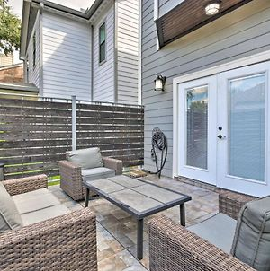 Southwest Houston Home With Balconies And Patio! photos Exterior