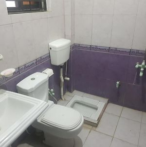 Furnished 2 Bed Portion At A Convenient Location photos Exterior