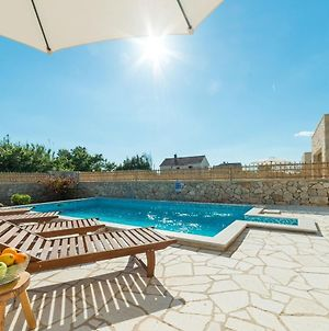 Beautiful Villa In Privlaka With Heated Swimming Pool photos Exterior