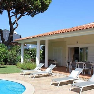Villa Quadradinhos 46Q Located Close To The Tennis Courts And Just 100M From The Famous Restaurant photos Exterior
