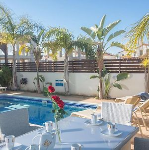 Villa Sidonos - Modern 3 Bedroom Villa With Private Pool - Walking Distance To The Beach photos Exterior