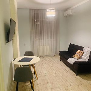 Comfortable And Modern Studio In The Middle Of Old And New Batumi photos Exterior