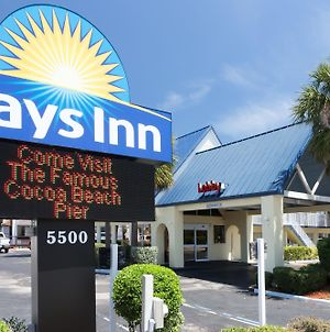 Days Inn By Wyndham Cocoa Beach Port Canaveral photos Exterior