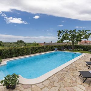 Two Bedroom Apartment With Shared Swimming Pool Near Rovinj photos Exterior