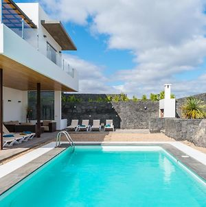 Villa Viejo - Modern 5 Bedroom Villa - Stunning Sea Views - Table Tennis Table photos Exterior