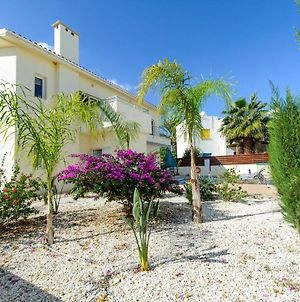 Villa Dafnis Helios - Lovely 3 Bedroom Protaras Villa With Pool - Close To Fig Tree Bay Beach photos Exterior