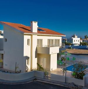 Villa Dafnis Morfi - Central 3 Bedroom Protaras Villa With Pool - Close To Protaras Strip photos Exterior
