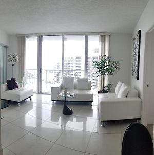 Luxury High Rise Condo By The Biscayne Bay photos Exterior
