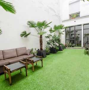 Amazing Family Home With Private Garden - Le Marais photos Exterior