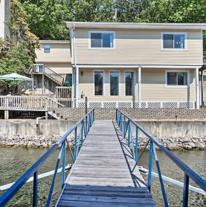 On-The-Water Retreat With Dock Pet Friendly! photos Exterior