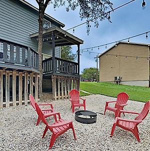 Riverfront Oasis With Private Beach & Fire Pit Home photos Exterior