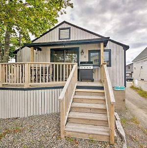 Renovated Southwest Harbor Cottage On A Dock! photos Exterior