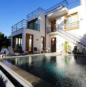 Villa With 6 Bedrooms In Torre Colonna Sperone With Wonderful Sea View Private Pool Enclosed Garden 950 M From The Beach photos Exterior