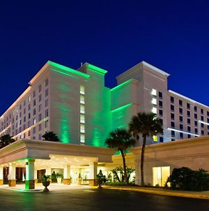 Holiday Inn & Suites Across From Universal Orlando photos Exterior