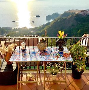 Apartment With 2 Bedrooms In Taormina With Wonderful Sea View Enclosed Garden And Wifi 2 Km From The Beach photos Exterior