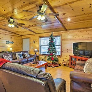 Broken Bow Cabin With Hot Tub And Covered Deck! photos Exterior