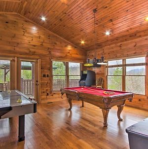 Sevierville Cabin With Home Theater, Hot Tub And Deck! photos Exterior