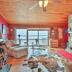 Updated Cabin On 7 Acres - Near Lake Geneva! photos Exterior