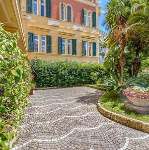 Modern Apartment In Sanremo With Balcony Near Town Centre photos Room