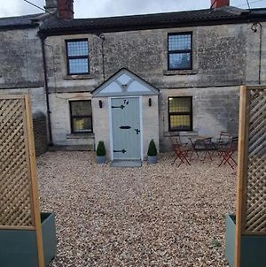 Quirky Cottage - Dogs Welcome - Free 24 Hr Cancellation'S photos Exterior