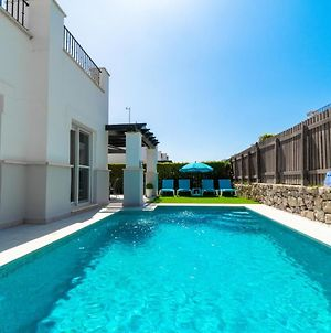 Beautiful 2-Bed Villa With Private Heated Pool photos Exterior