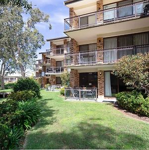 57 'Bay Parklands', 2 Gowrie Ave - Ground Floor Unit With Pool, Tennis Court & Aircon photos Exterior