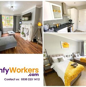 New Contractor House Near Lla Airport & M1 By Comfy Workers photos Exterior
